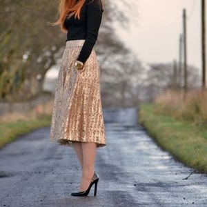 NWT River Island gold sequin pleated skirt